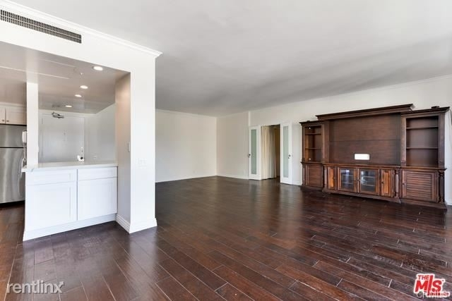 2 Bedrooms, Westwood Rental in Los Angeles, CA for $4,950 - Photo 2