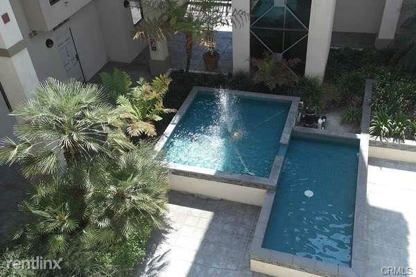 2 Bedrooms, Playhouse District Rental in Los Angeles, CA for $2,600 - Photo 2