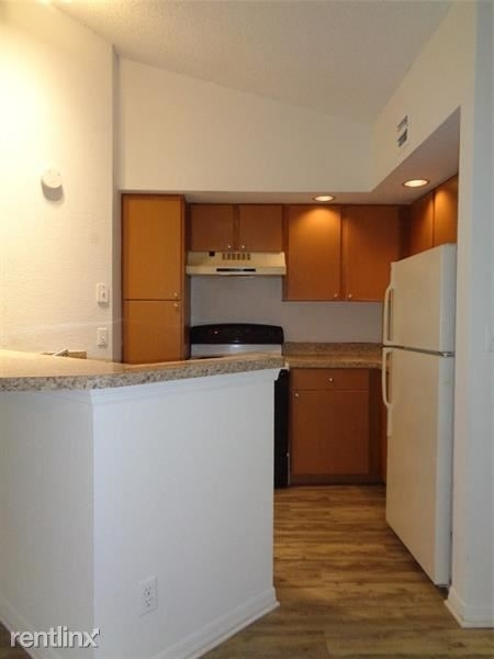 1 Bedroom, Holiday Springs Village Rental in Miami, FL for $1,300 - Photo 2