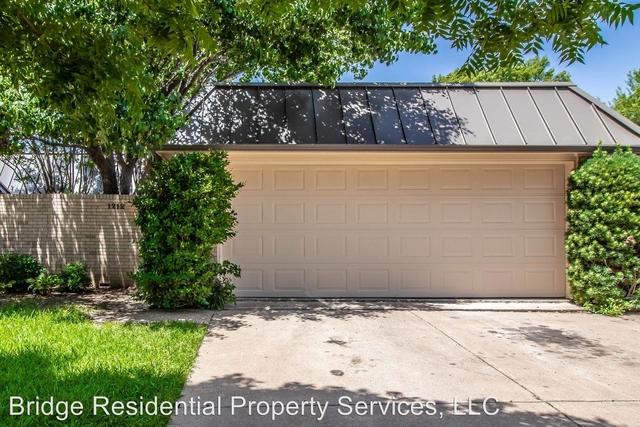 3 Bedrooms, North Hi Mount Rental in Dallas for $2,800 - Photo 2