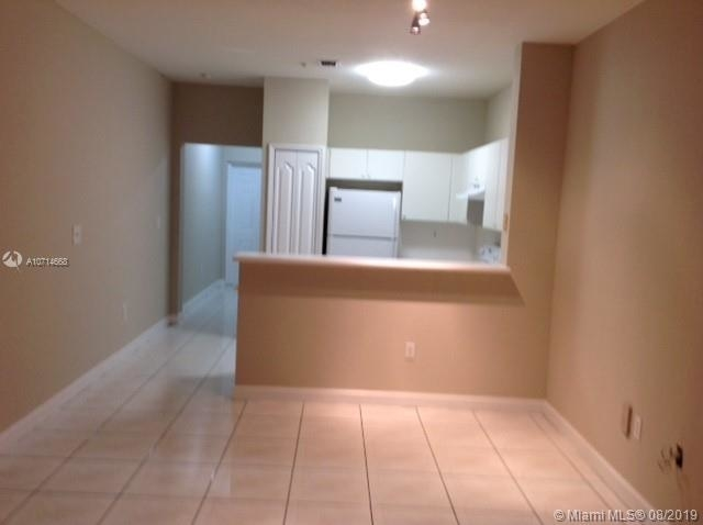 2 Bedrooms, Shoma at Country Club of Miami Rental in Miami, FL for $1,500 - Photo 1