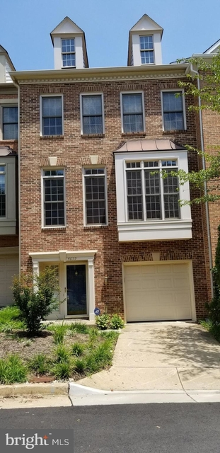 3 Bedrooms, Stonegate Rental in Washington, DC for $3,000 - Photo 1