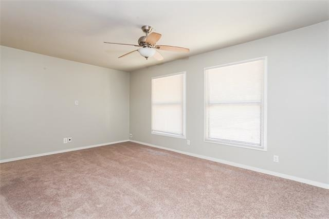3 Bedrooms, Midway Hollow Rental in Dallas for $1,600 - Photo 2