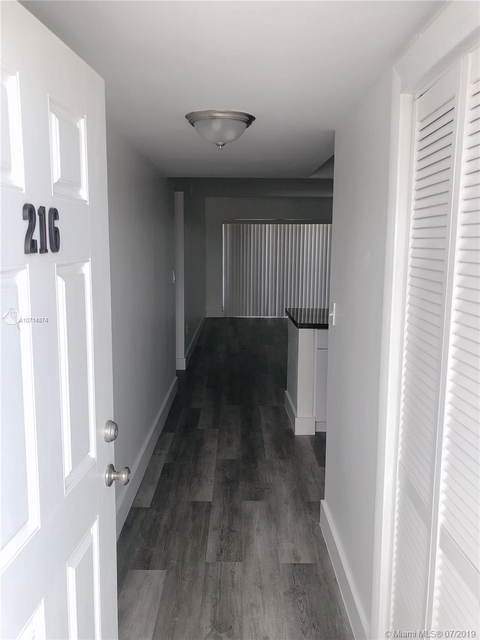 2 Bedrooms, Lake Robin Rental in Miami, FL for $1,550 - Photo 1