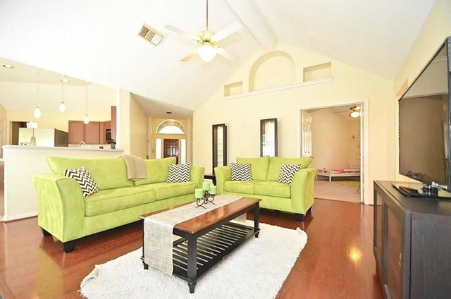 3 Bedrooms, High Meadows Rental in Houston for $1,750 - Photo 1