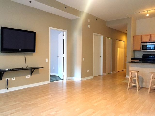 2 Bedrooms, The Loop Rental in Chicago, IL for $2,200 - Photo 2