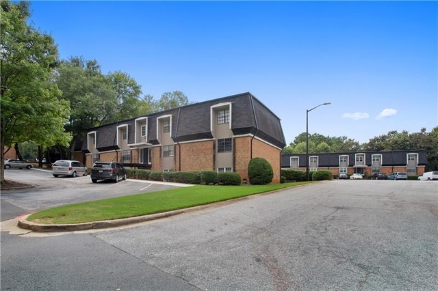 3 Bedrooms, Winding River Village Rental in Atlanta, GA for $1,500 - Photo 2