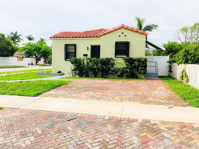 3 Bedrooms, Central Business District Rental in Miami, FL for $2,600 - Photo 1