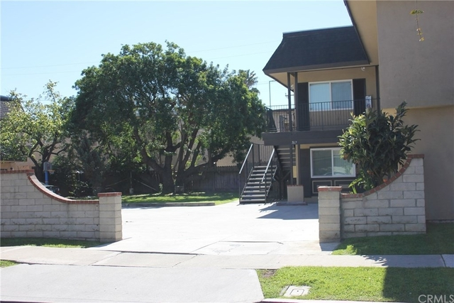 2 Bedrooms, Westside Costa Mesa Rental in Los Angeles, CA for $1,850 - Photo 2