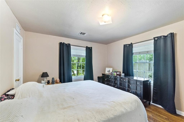 3 Bedrooms, Bell Haven Rental in Houston for $1,525 - Photo 2