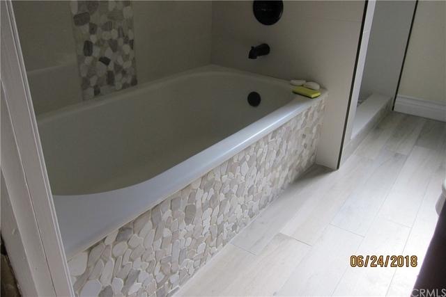 4 Bedrooms, Morningside Park Rental in Los Angeles, CA for $3,300 - Photo 1