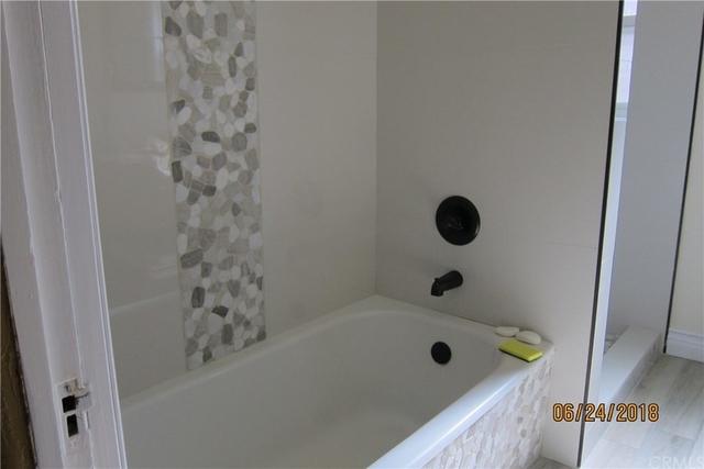 4 Bedrooms, Morningside Park Rental in Los Angeles, CA for $3,300 - Photo 2