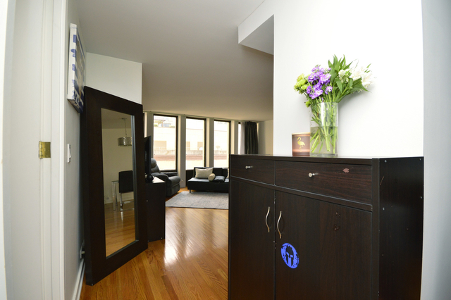 1 Bedroom, Gold Coast Rental in Chicago, IL for $2,150 - Photo 2