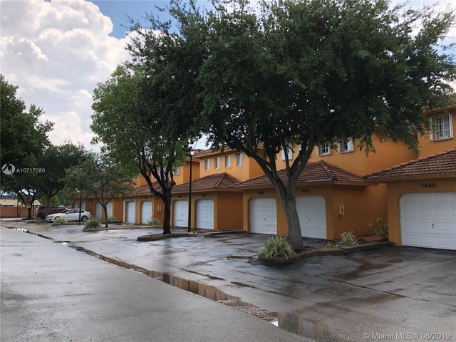 3 Bedrooms, Poinciana Lakes Rental in Miami, FL for $1,850 - Photo 1