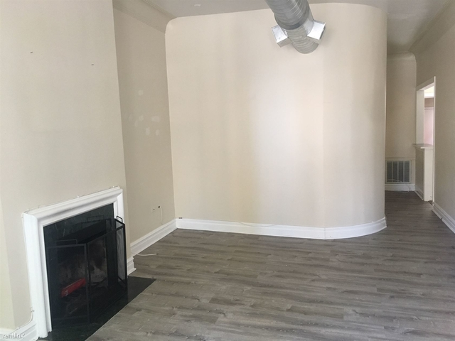 3 Bedrooms, Old Town Triangle Rental in Chicago, IL for $2,595 - Photo 2