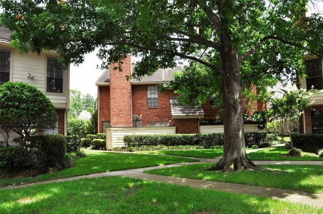 2 Bedrooms, Lakeside Green Condominiums Rental in Houston for $1,350 - Photo 2