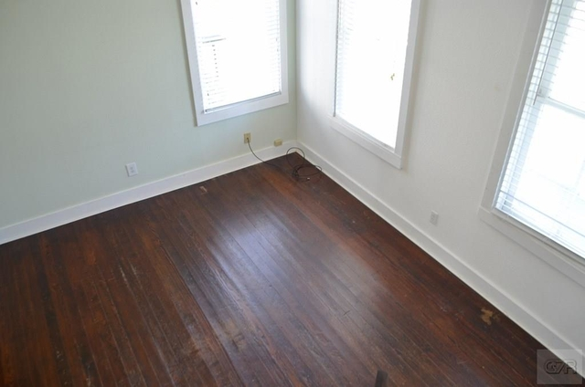 3 Bedrooms, Lost Bayou Historic District Rental in Houston for $1,600 - Photo 2