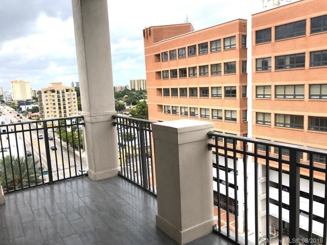 2 Bedrooms, Coral Way Rental in Miami, FL for $2,500 - Photo 2