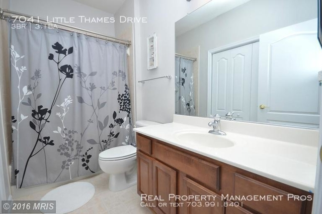 3 Bedrooms, Village Place at Gainesville Rental in Washington, DC for $2,150 - Photo 2