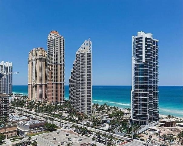 2 Bedrooms, Winston Towers Rental in Miami, FL for $2,500 - Photo 1