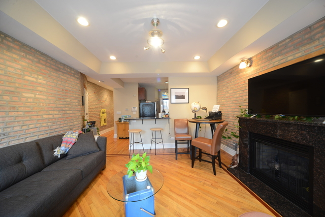 2 Bedrooms, Grand Boulevard Rental in Chicago, IL for $1,800 - Photo 2