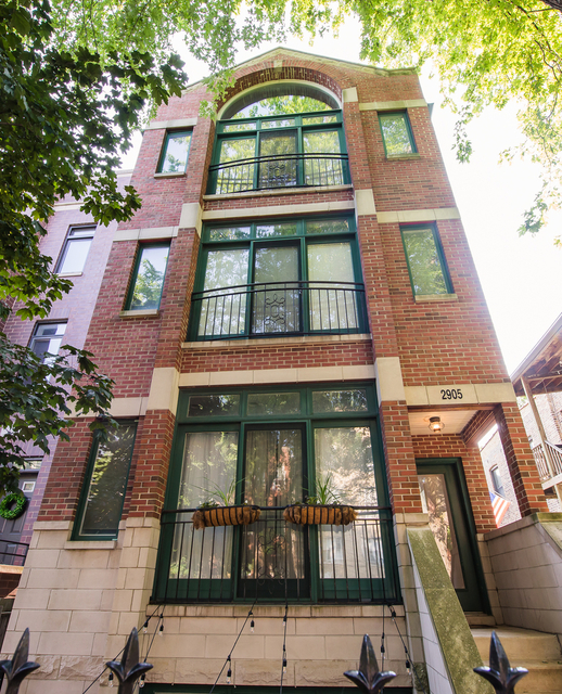 2 Bedrooms, Roscoe Village Rental in Chicago, IL for $2,650 - Photo 1