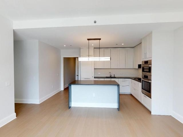 2 Bedrooms, Streeterville Rental in Chicago, IL for $5,550 - Photo 2