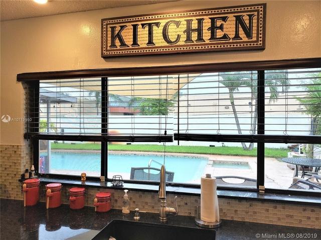 3 Bedrooms, Timberlake Rental in Miami, FL for $2,850 - Photo 2