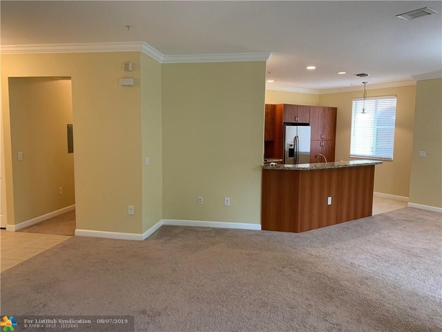 3 Bedrooms, Sawgrass Lakes Rental in Miami, FL for $2,350 - Photo 1