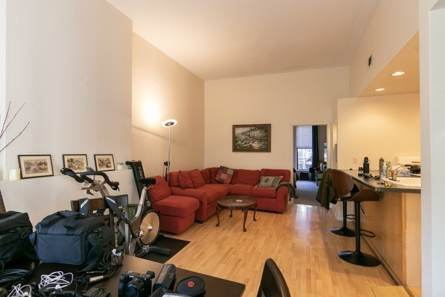 1 Bedroom, Old Town Triangle Rental in Chicago, IL for $1,800 - Photo 2