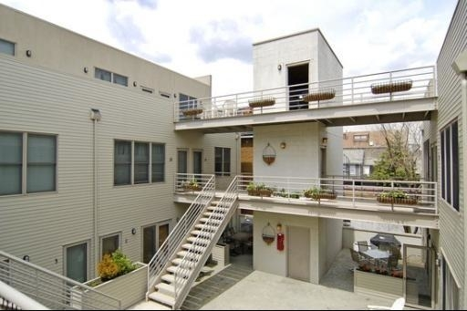 3 Bedrooms, Lathrop Rental in Chicago, IL for $3,600 - Photo 1