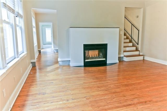 2 Bedrooms, Vickery Place Rental in Dallas for $2,075 - Photo 2