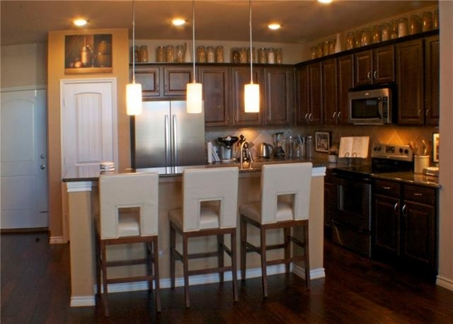 2 Bedrooms, Upper West Side Rental in Dallas for $1,850 - Photo 1