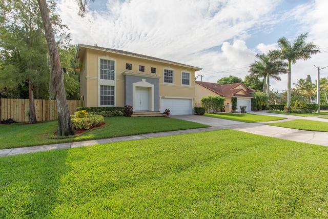 3 Bedrooms, Sugar Pond Manor of Wellington Rental in Miami, FL for $5,000 - Photo 1