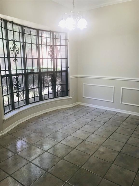 2 Bedrooms, Meridian Place Townhome Rental in Houston for $1,650 - Photo 2