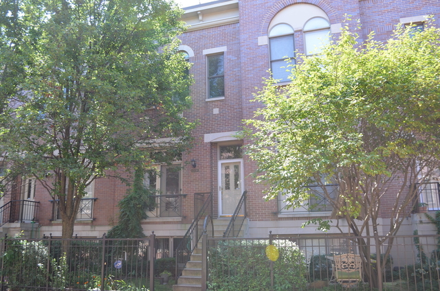 2 Bedrooms, University Village - Little Italy Rental in Chicago, IL for $3,200 - Photo 2