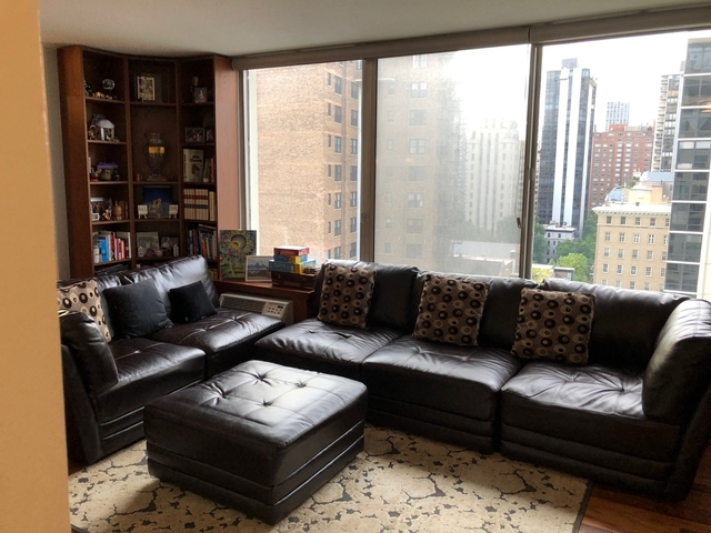2 Bedrooms, Gold Coast Rental in Chicago, IL for $3,500 - Photo 2