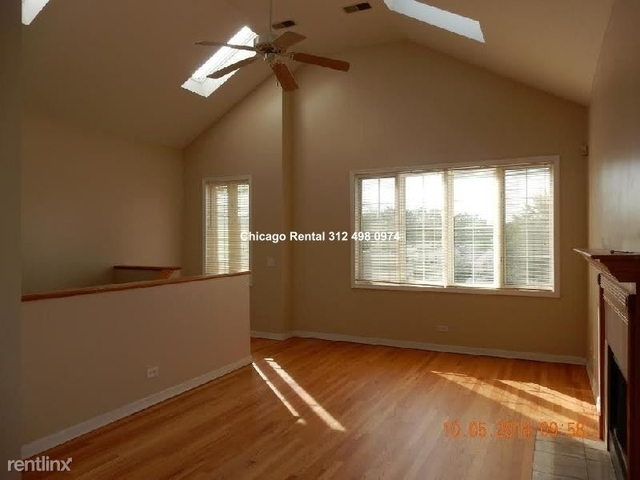 3 Bedrooms, West Town Rental in Chicago, IL for $2,000 - Photo 2