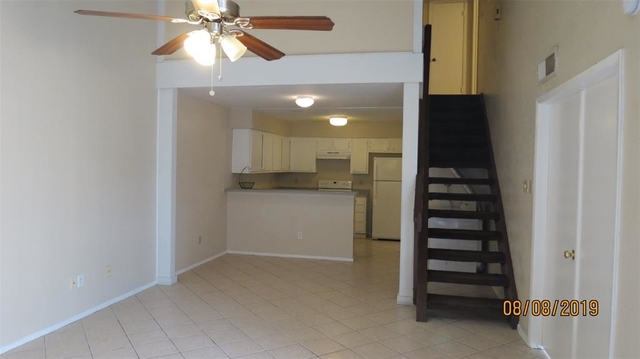 3 Bedrooms, Fondren Southwest Tempo Townhome Rental in Houston for $1,190 - Photo 2