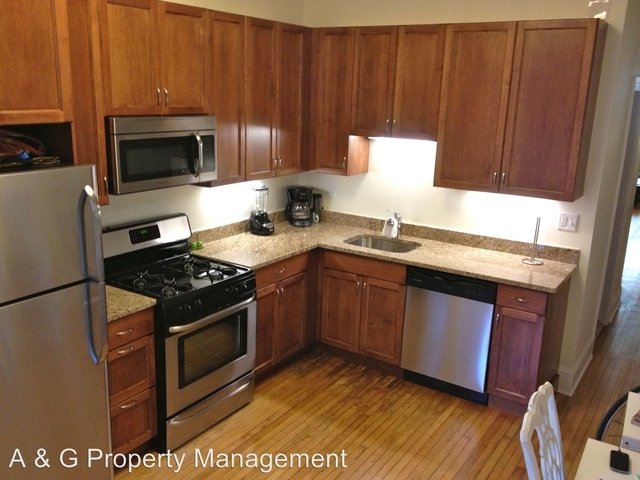 3 Bedrooms, Old Town Triangle Rental in Chicago, IL for $2,875 - Photo 1