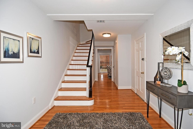 3 Bedrooms, Southwest - Waterfront Rental in Washington, DC for $5,000 - Photo 2