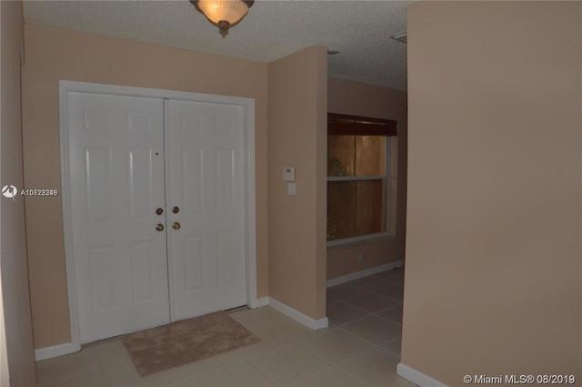 3 Bedrooms, Shenandoah Rental in Miami, FL for $2,050 - Photo 2