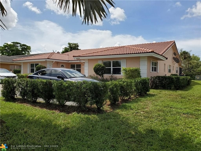 3 Bedrooms, Forest Hills Rental in Miami, FL for $1,890 - Photo 1