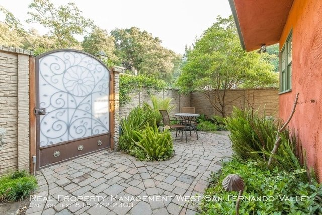 2 Bedrooms, Hollywood Hills West Rental in Los Angeles, CA for $4,800 - Photo 1
