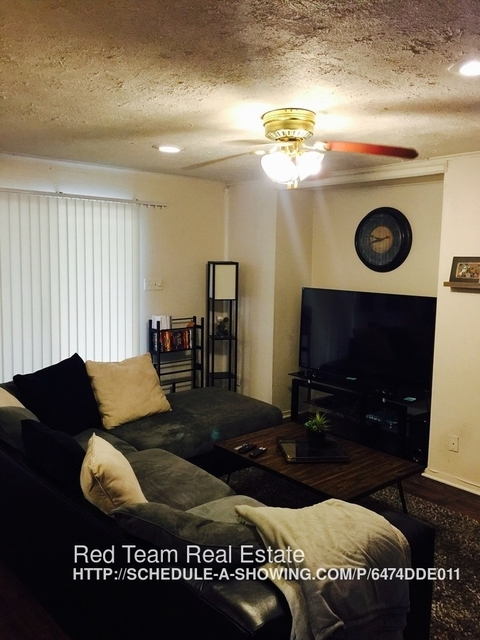 2 Bedrooms, Queensboro Rental in Dallas for $1,195 - Photo 2