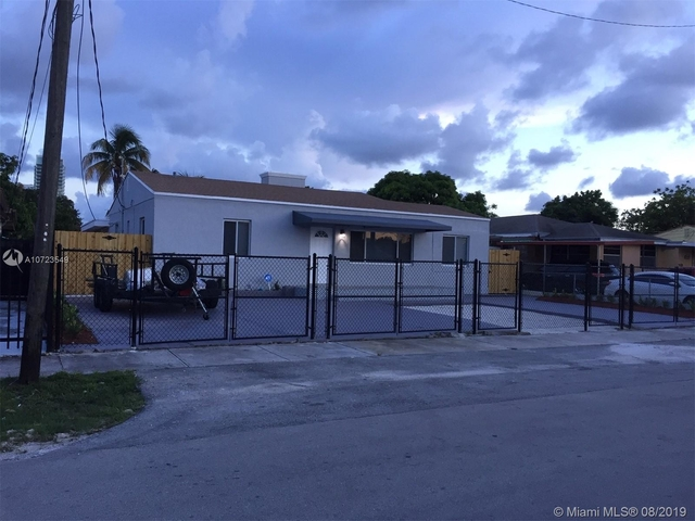 2 Bedrooms, Kenwood Rental in Miami, FL for $2,300 - Photo 2