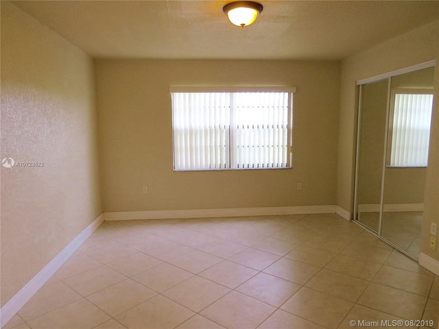 3 Bedrooms, Lake Orleans East Rental in Miami, FL for $1,700 - Photo 2