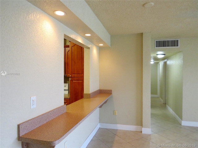 3 Bedrooms, Lake Orleans East Rental in Miami, FL for $1,700 - Photo 1