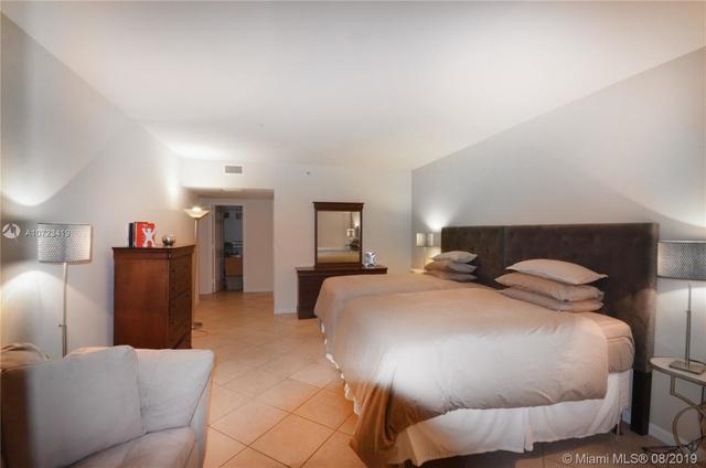 3 Bedrooms, Millionaire's Row Rental in Miami, FL for $4,000 - Photo 2