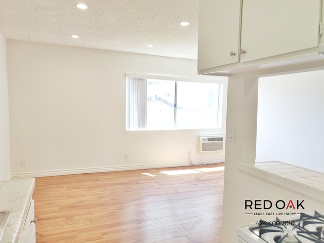 1 Bedroom, Hollywood United Rental in Los Angeles, CA for $1,795 - Photo 2